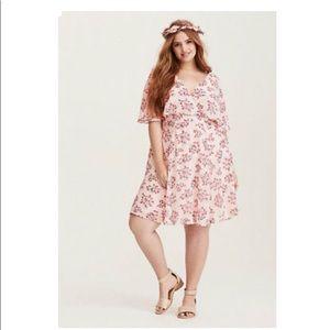 NWT Torrid Chiffon Blush Floral Skater Dress 22